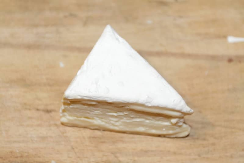 soft ripened brie cheese